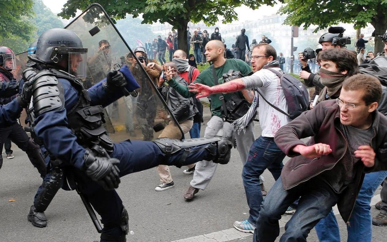 riot - Critical Shots