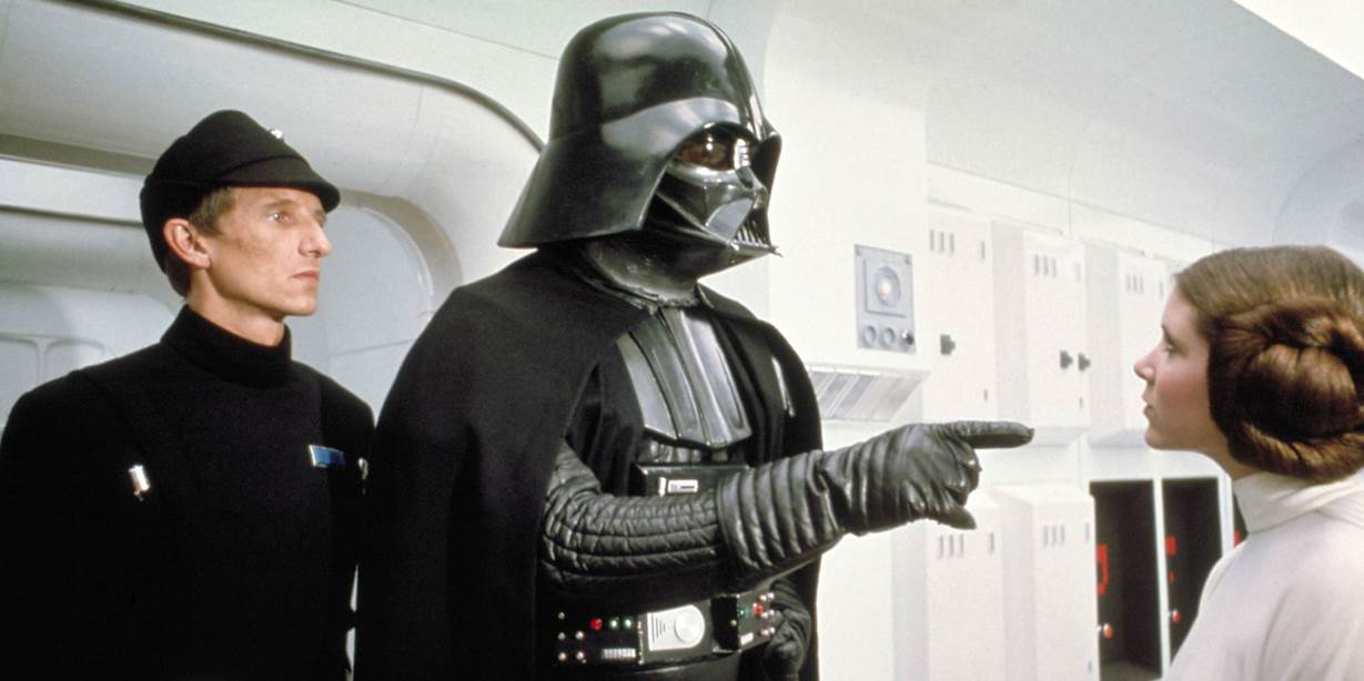 David-Prowse-Darth-Vader-pointing
