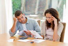couple-upset-with-budget-and-bills