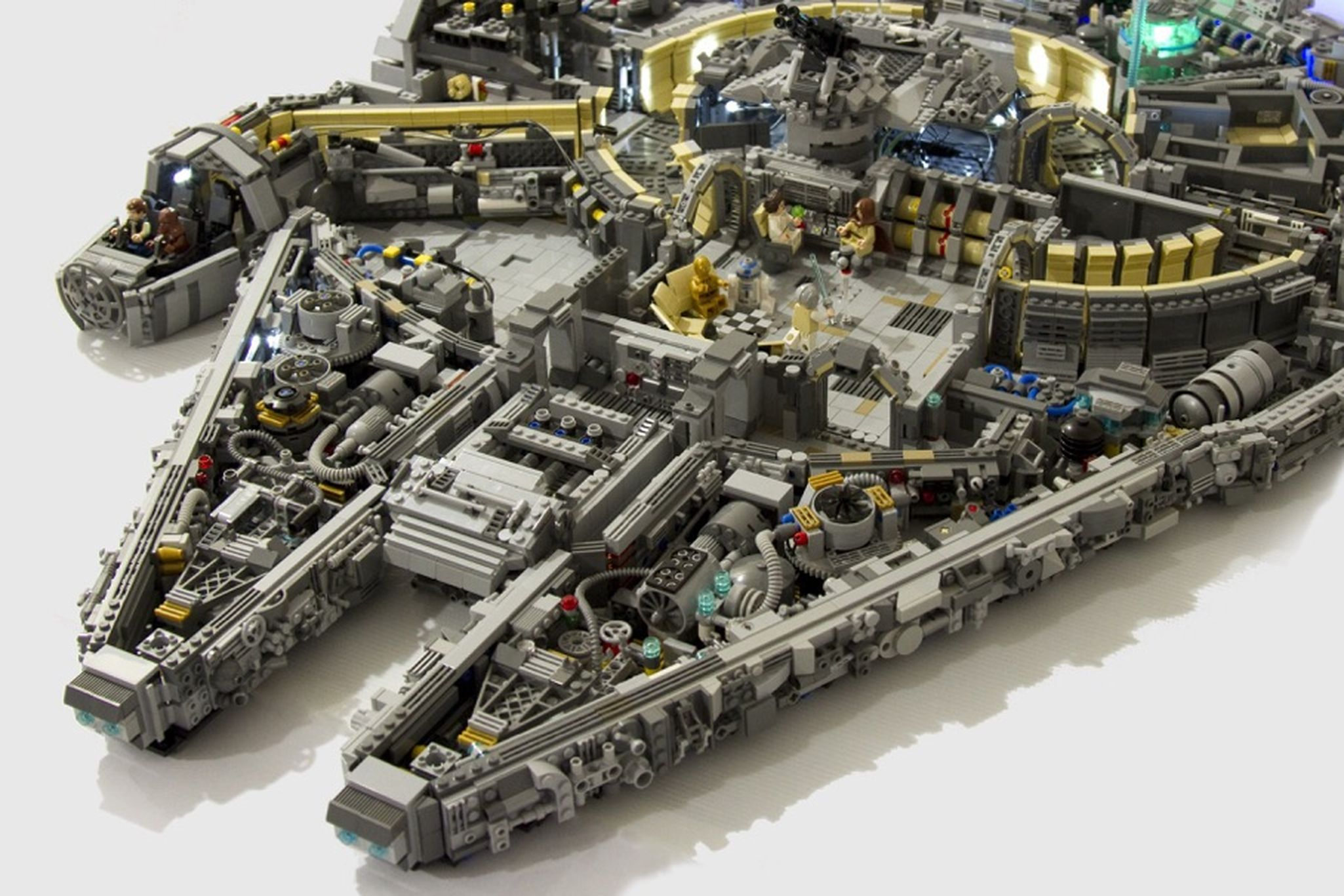 50000-piece-star-wars-Lego-Milennium-Falcon-set