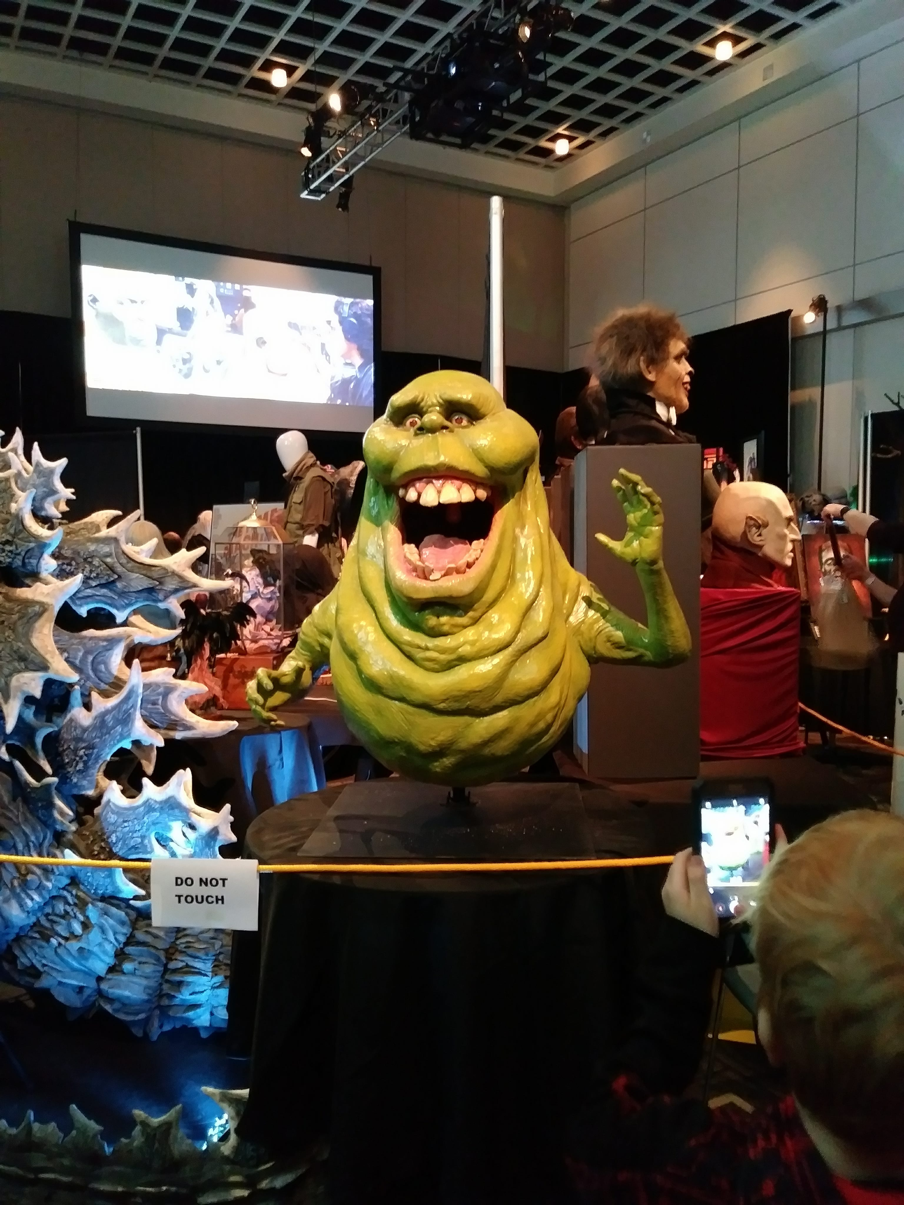 monsterpalooza-2018-horror-convention-ghostbusters-slimer